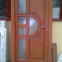 félig üveges fa ajtó