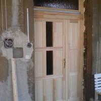 társasházi fa ajtó