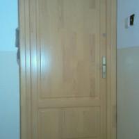 kétzáras társasházi ajtó