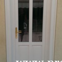 XIV.ker, fehér fa bejárati ajtó csere