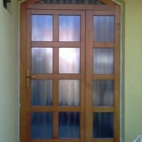 bejárati ajtó fix oldallal