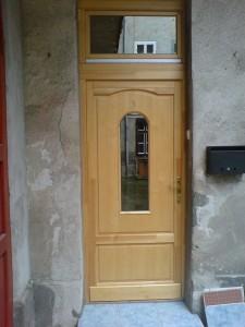 reflexiós üveges ajtó