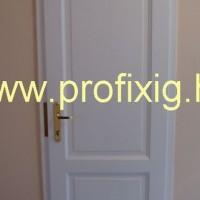 Fehér fa beltéri ajtó