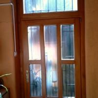 Felső ablakos bejàrati ajtò