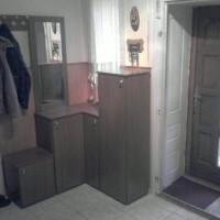 Lépcsős előszobabútor