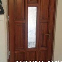 Fatörzs üveges bejárati ajtó