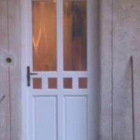 csincsilla üveges ajtó beépítése