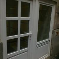Hét kazettás fehér bejárati ajtó