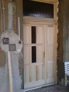 Natúr bejárati ajtó