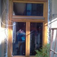 Kétszárnyú faablak beépítés