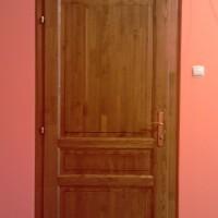 Fa beltéri ajtó panellakásba