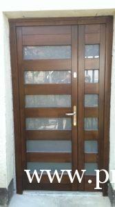 kültéri üveges bejárati ajtó