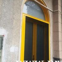 Szúnyoghálós bejárati ajtó