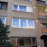 Három szárnyú panel ablak