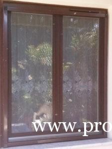 Fa ablakcsere családi házban