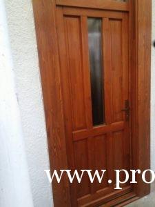 Üveges fa bejárati ajtók