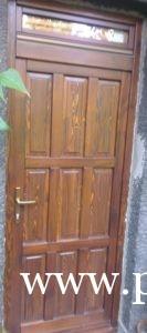 Borovi fenyő bejárati ajtó