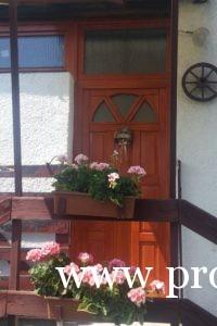 Fa bejárati ajtó kiválasztása
